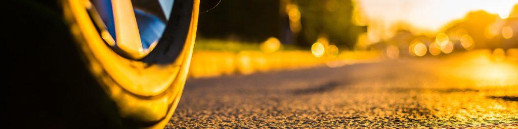 Waarom het zo belangrijk is om met de juiste autobanden te rijden